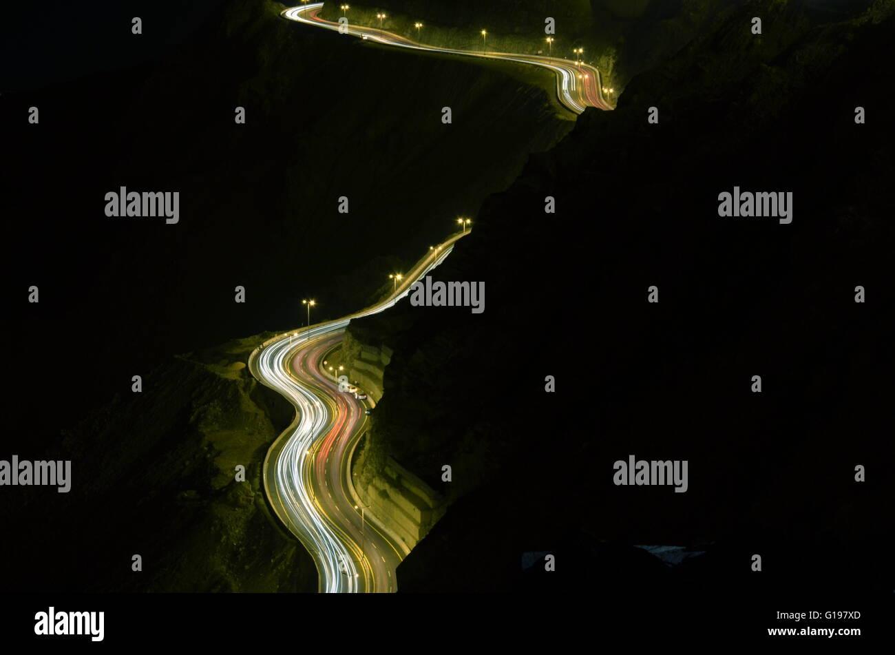 Deslice la luz montañoso, Foto tomada en el sobre del acantilado de Al Hada Hill Road , Al Hada Thaif, Arabia Imagen De Stock