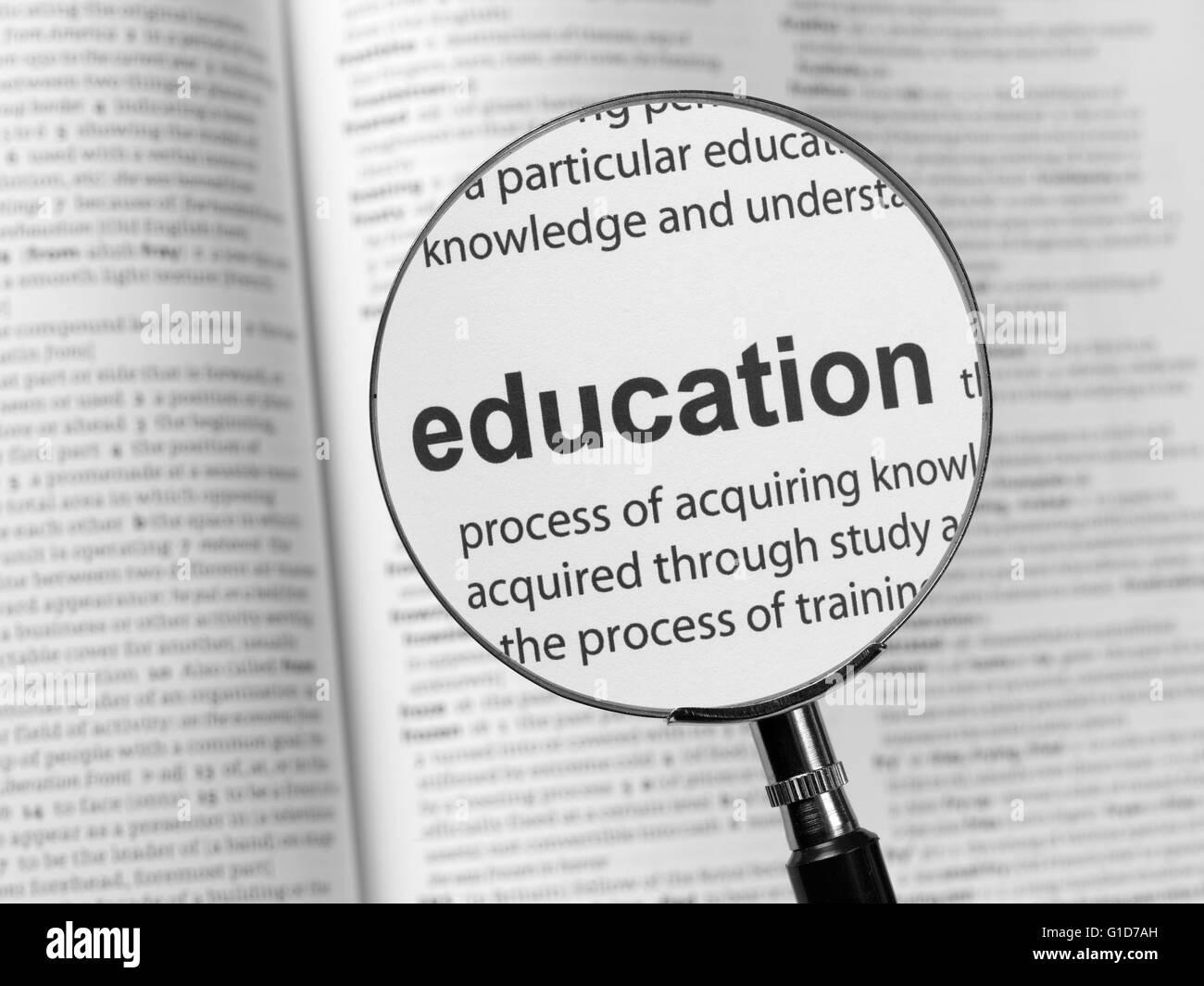 Diccionario destacando la educación Imagen De Stock