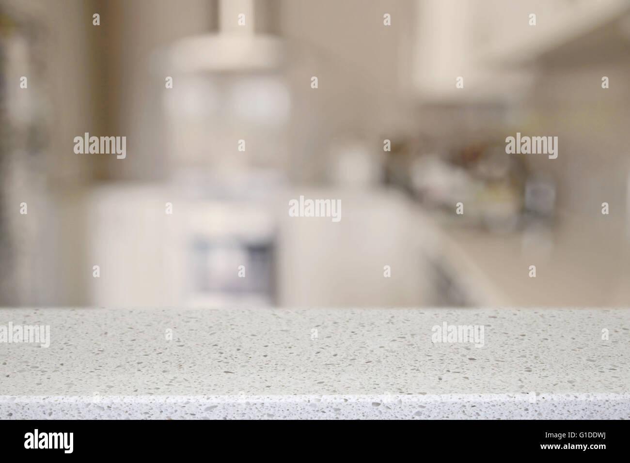 Piedra Cuarzo blanco encimera de cocina con desenfoque de fondo, la ...