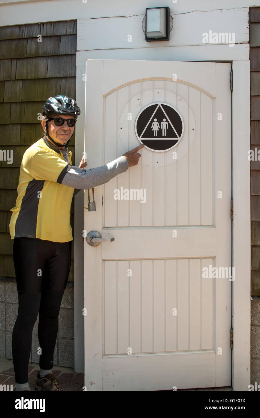 Todos baño género firmar en la puerta. Imagen De Stock