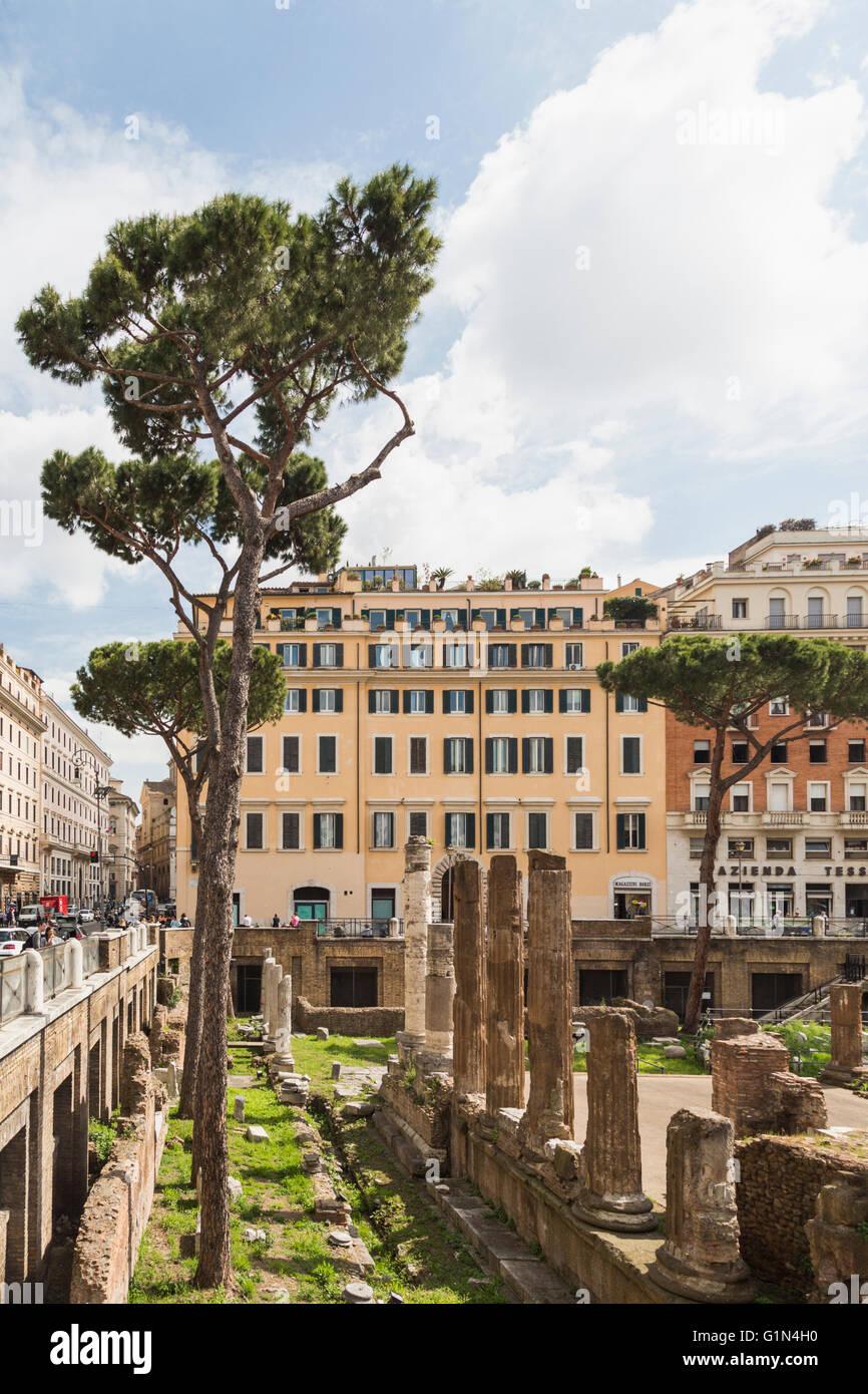 Roma, Italia. Largo di Torre Argentina. Ruinas que datan de la antigua República romana. Éstos incluyen Imagen De Stock