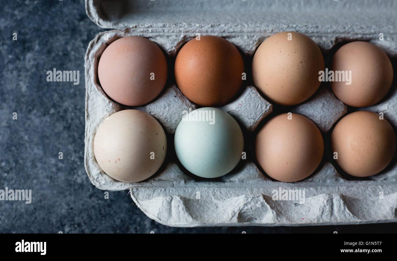 Varios huevos coloreados Foto de stock