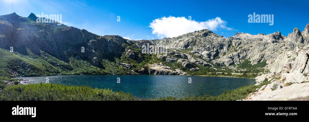 Mountain Lake Lac de Melo, Restonica alto valle, fuente del río Restonica, Corte, Haute-Corse, Córcega, Imagen De Stock