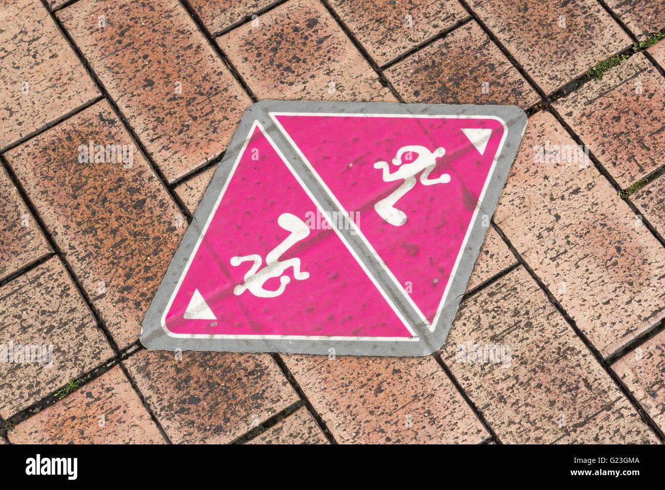 Close-up de marcador de Odaiba ejecutando supuesto, Daiba, Tokio, Japón Imagen De Stock