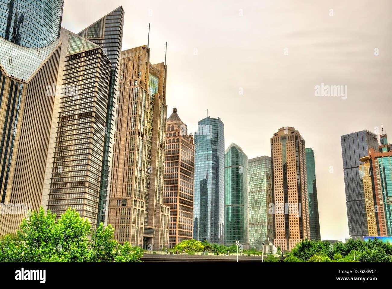 Shanghai rascacielos en el distrito financiero de Lujiazui Imagen De Stock