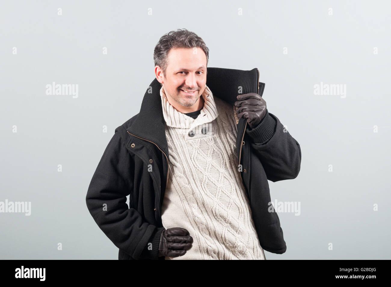 851844927b58 Black Guy In Winter Clothes Imágenes De Stock & Black Guy In Winter ...