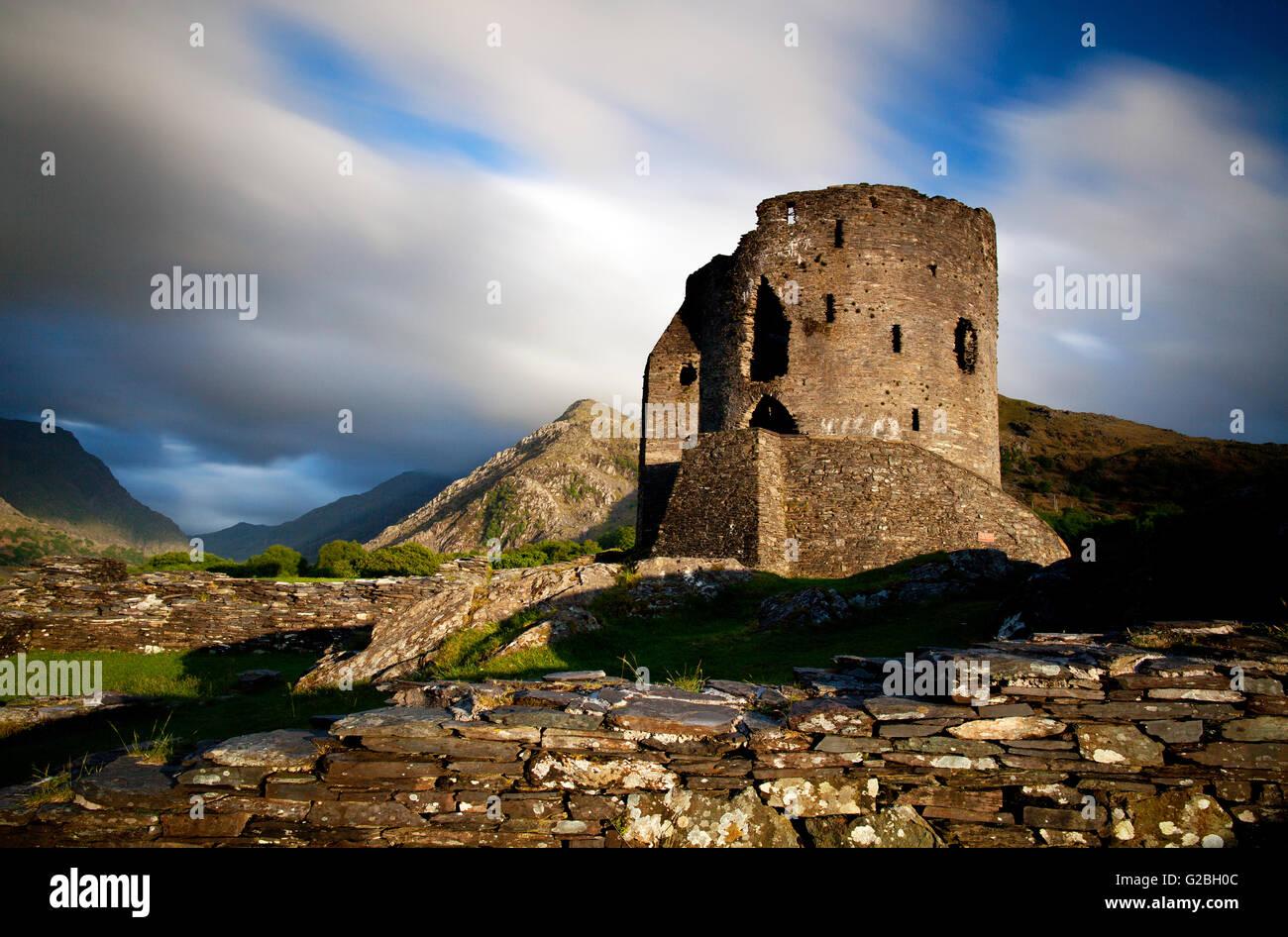Fotografía por © Jamie Callister. Atardecer en el Castillo de Dolbadarn, Snowdonia, Gwynedd, Gales del Norte, 21 Foto de stock