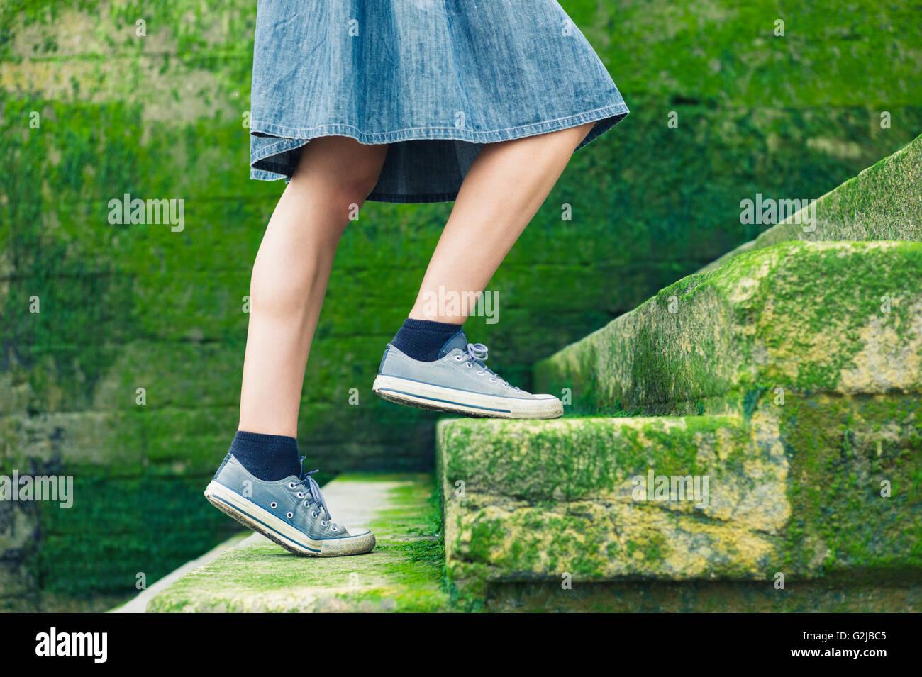 5551f3d9e Stairs Woman Skirt Imágenes De Stock & Stairs Woman Skirt Fotos De ...