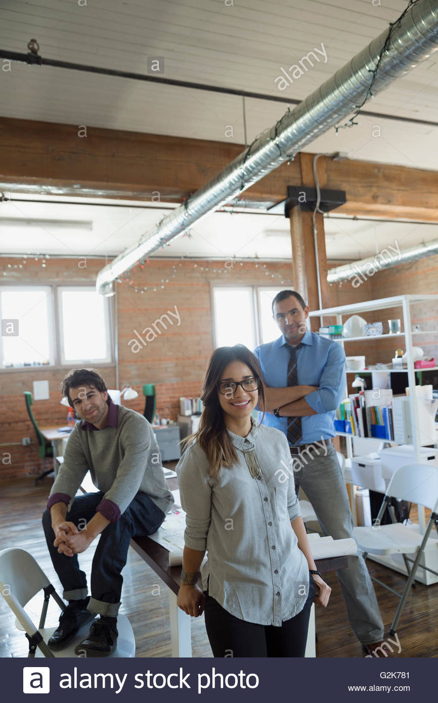 Retrato confía en la gente de negocios creativos en Office Imagen De Stock