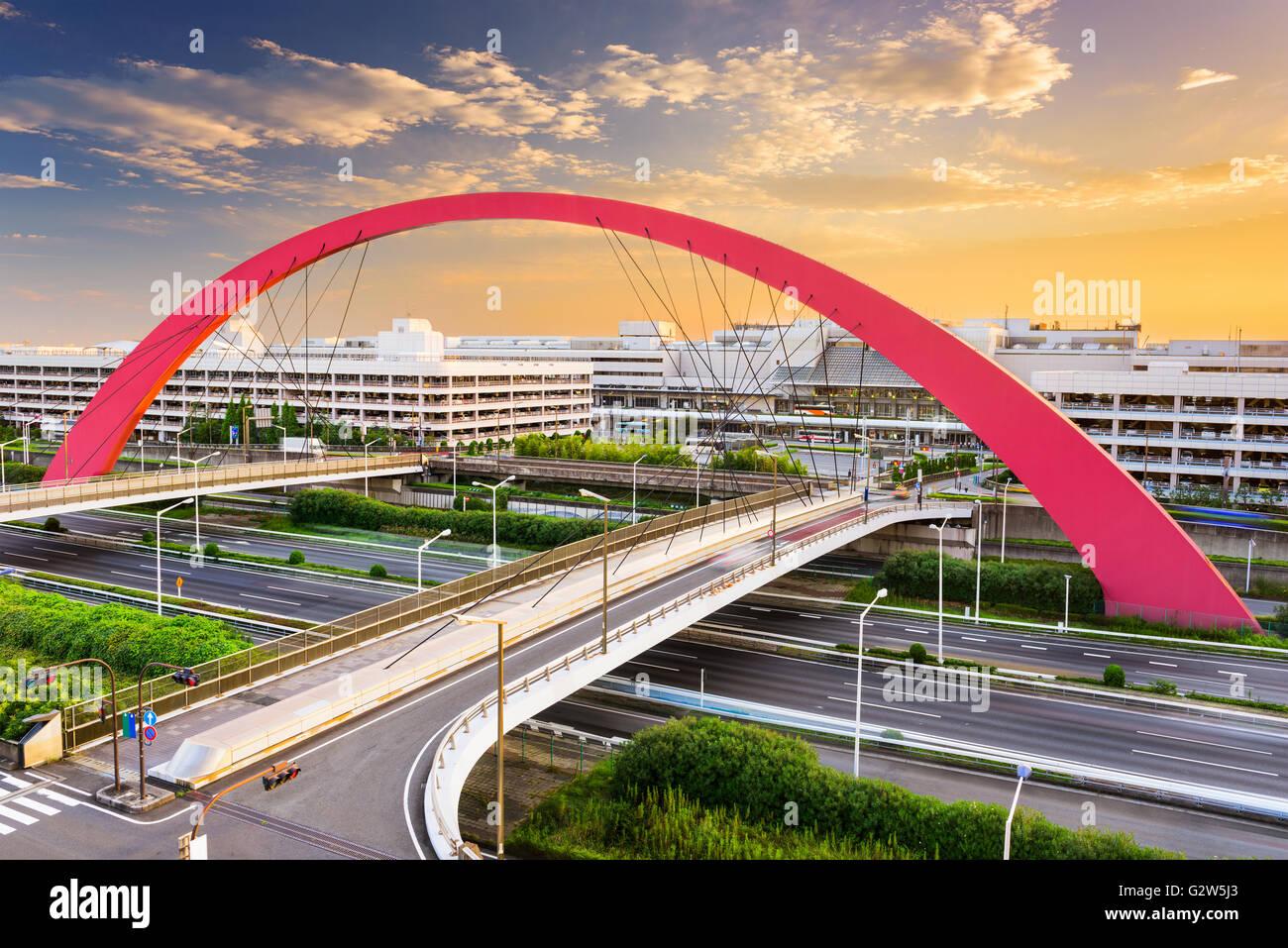 Las terminales del aeropuerto de Haneda y carreteras en Tokio, Japón. Foto de stock
