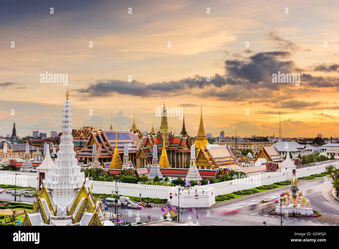 Bangkok, Tailandia en el Templo del Buda Esmeralda y el Gran Palacio. Imagen De Stock