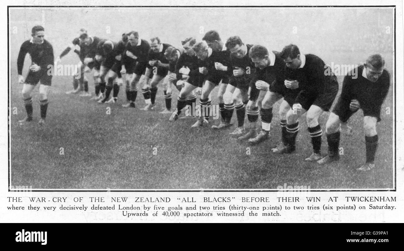 El Grito de Guerra de Nueva Zelanda All Blacks antes muy decididamente golpearon Londres en Twickenham por 31-6. Imagen De Stock