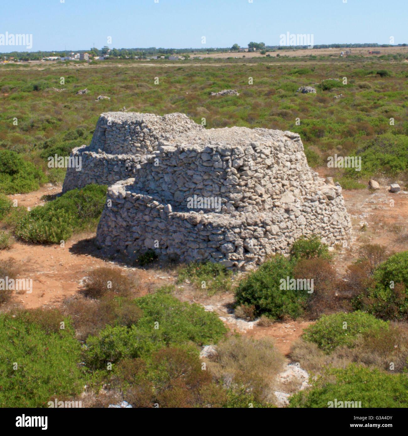 Trullo - Salento la antigua construcción (Puglia, Italia) Imagen De Stock