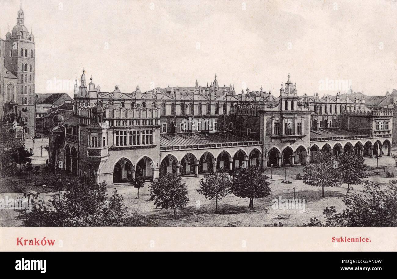 Cracovia, Pland - El Renacimiento Sukiennice (Sukiennice) en la principal plaza del mercado Fecha: 1906 Imagen De Stock