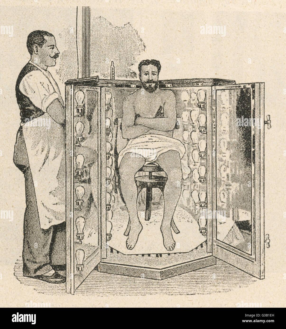 """Un baño de luz eléctrica en el Sanatorio Bilz, Berlín. """"La copiosa transpiración fomenta Imagen De Stock"""