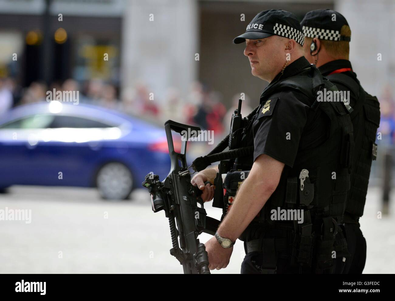 La policía armada, Londres, Inglaterra, Reino Unido Imagen De Stock