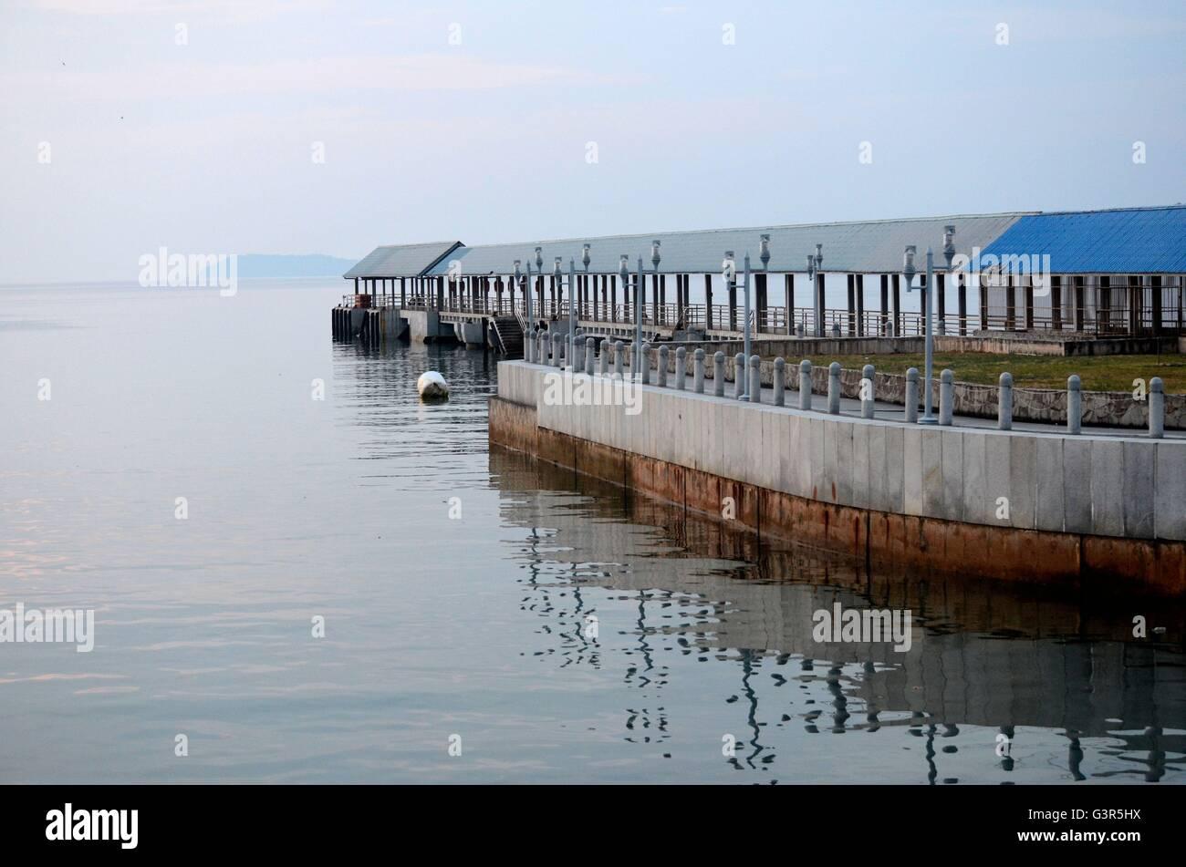 Kampong vacío embarcadero de la isla de Tioman Malasia Foto de stock