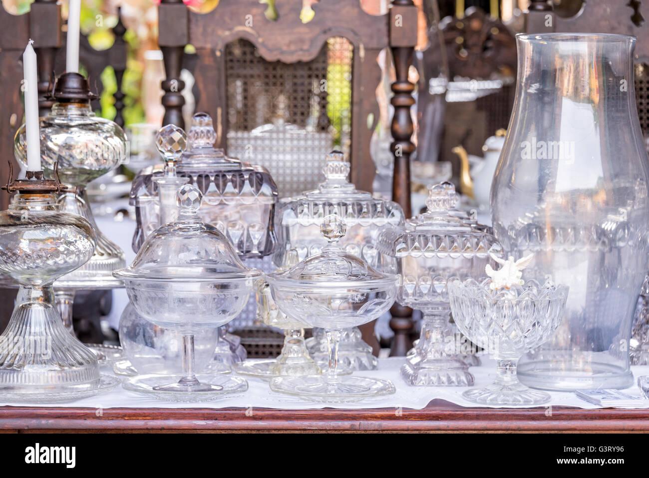 Vintage blanco antiguo cristalería Imagen De Stock
