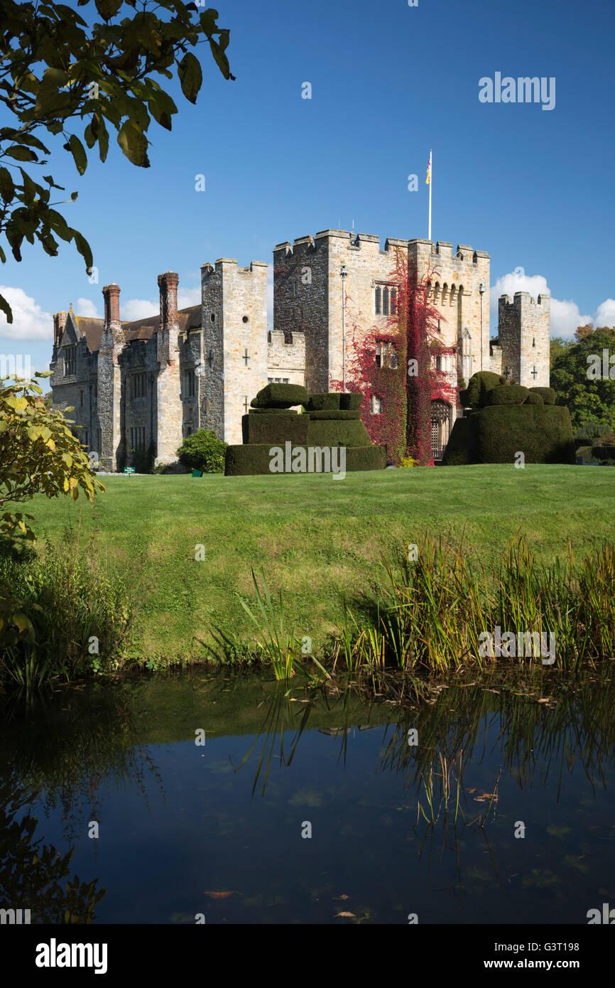 El castillo de Hever y jardines, Hever, Kent, Inglaterra, Reino Unido, Europa Imagen De Stock