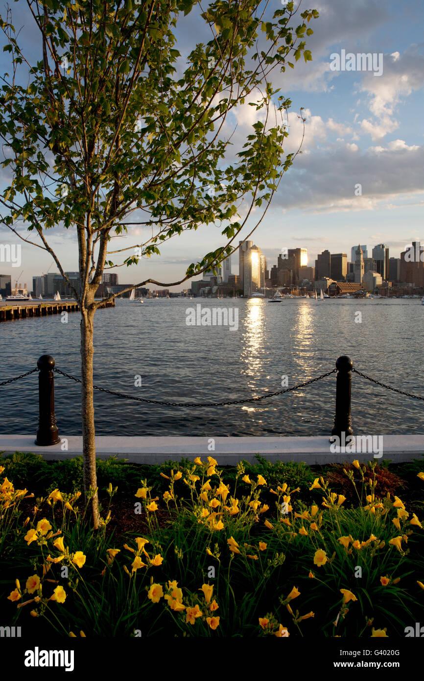 East Boston Waterfront, Boston Harbor, skyline Imagen De Stock