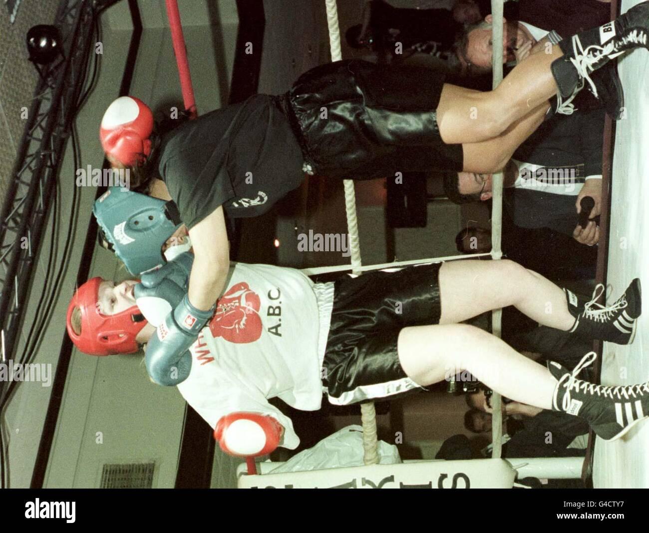 Acción de boxeo femenino Imagen De Stock