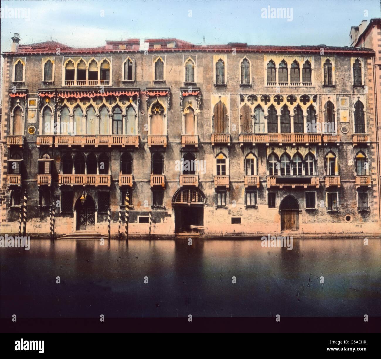 Finden Wir namentlich Goethe un allen Stellen Erinnerungen, vor allem hier beim Palazzo Giustiniani cerquero Belebung Imagen De Stock