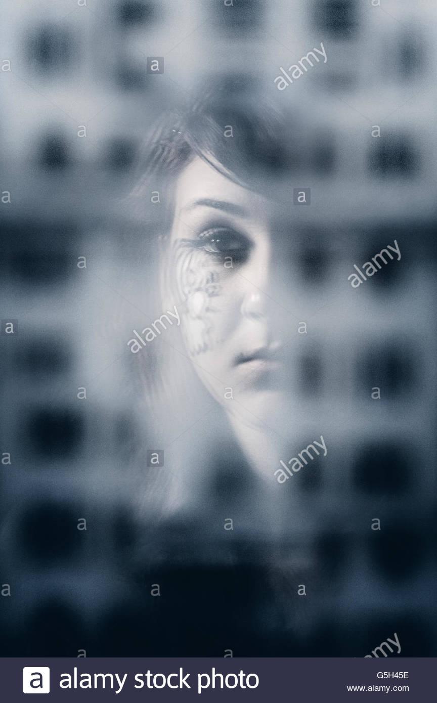 Chica pensativa Imagen De Stock