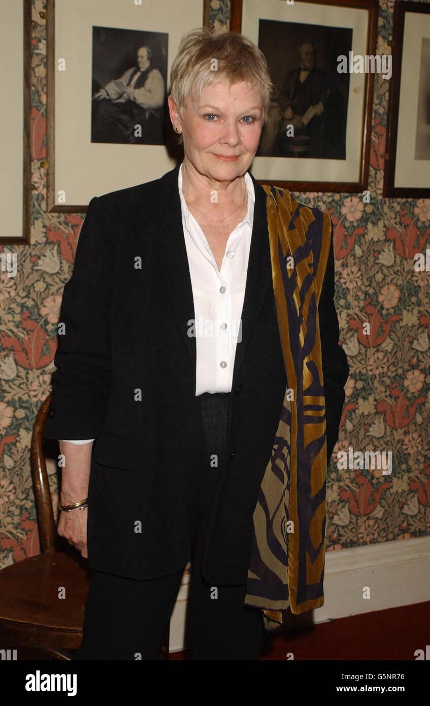 Dame Judi Dench Oxford Union Foto de stock