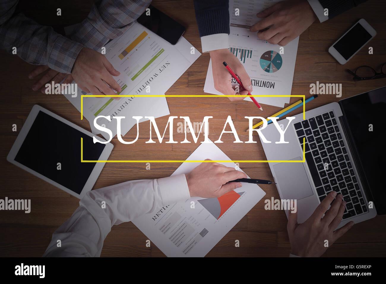 Equipo de Trabajo de la OFICINA DE TRABAJO EN EQUIPO Resumen CONCEPTO DE LLUVIA DE IDEAS Imagen De Stock