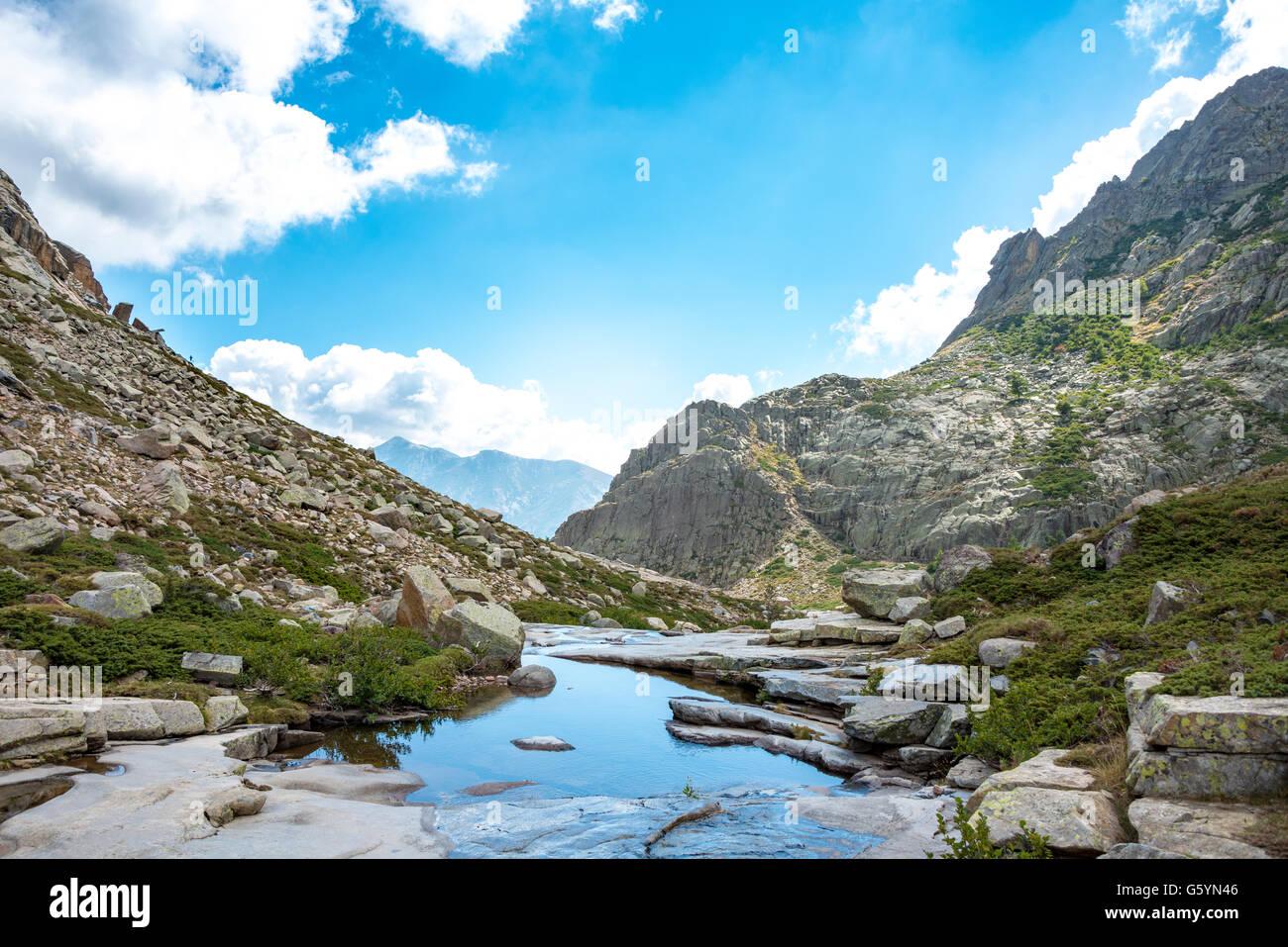 Piscina en las montañas, el río Golo, Parque Natural de Córcega, Parc naturel régional de Corse, Córcega, Francia Foto de stock