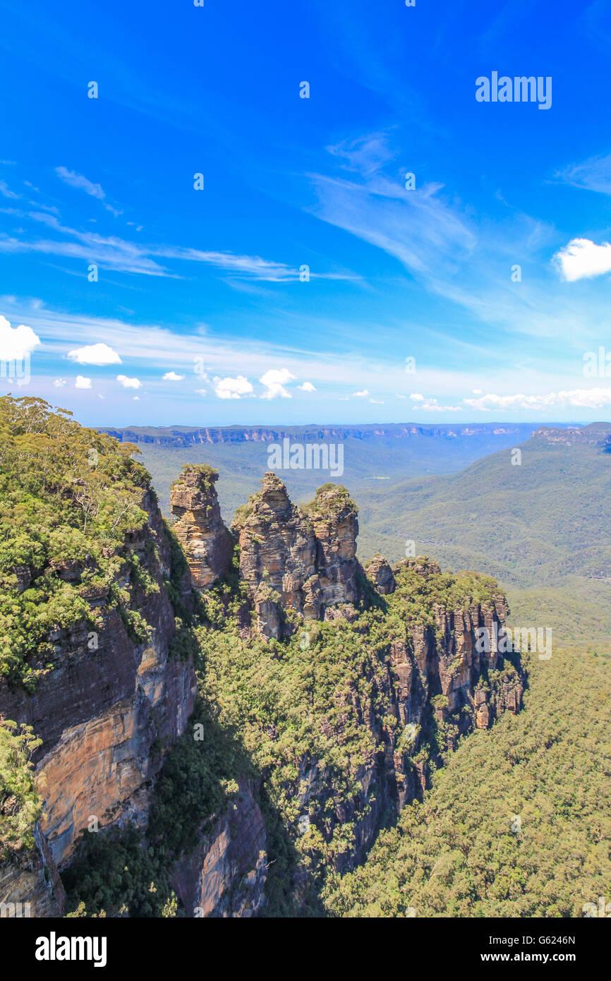 Tres hermanas en el Parque Nacional Blue Mountains, cerca de Sydney, Australia Imagen De Stock