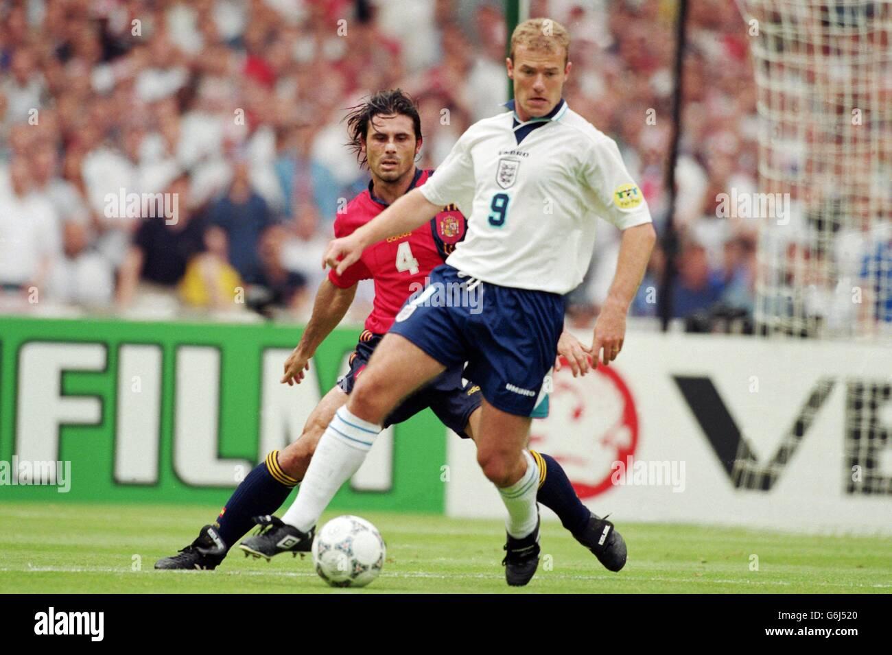 Fútbol - Euro 96 - Inglaterra v España, Wembley Foto de stock