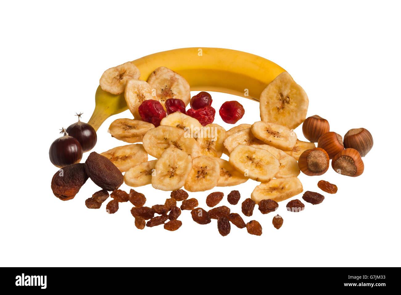 Mezcla de frutos secos aislado en blanco Imagen De Stock