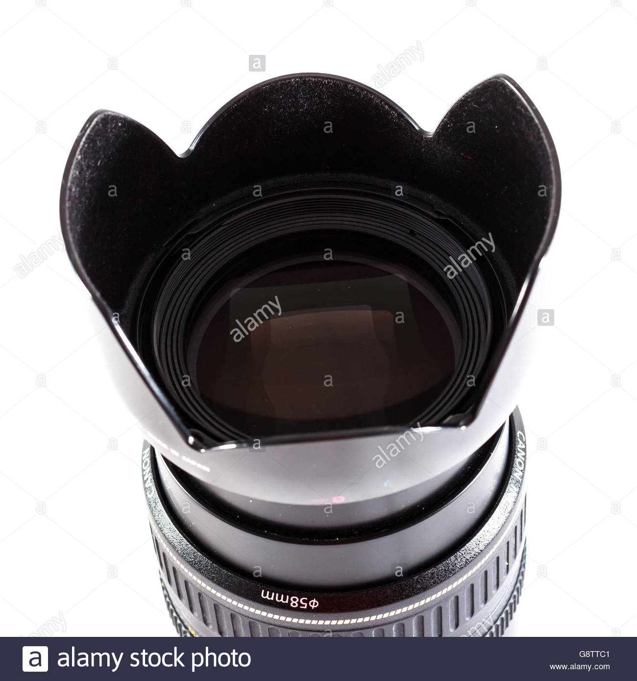 Canon EF 28-105mm f/3.5-4.5 II USM hechas por Canon Inc. con EW-63II parasol Foto de stock