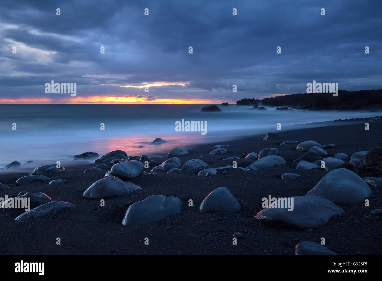 La luz del atardecer atardecer Playa de la Montana Bermeja Lanzarote Imagen De Stock