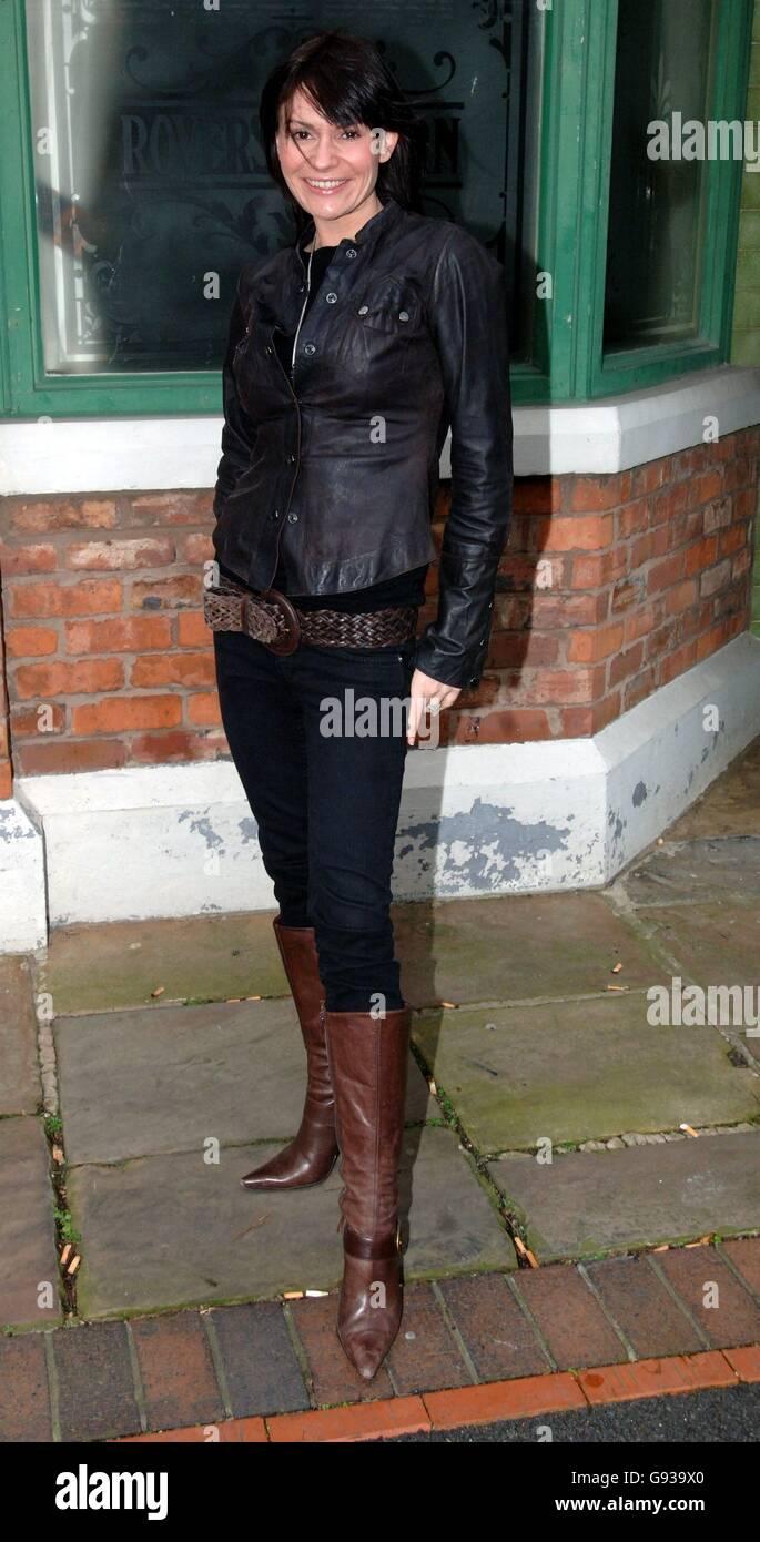La contendiente de Soapstar Superstar Lucy Pargeter en Granada Television Studio's. Foto de stock