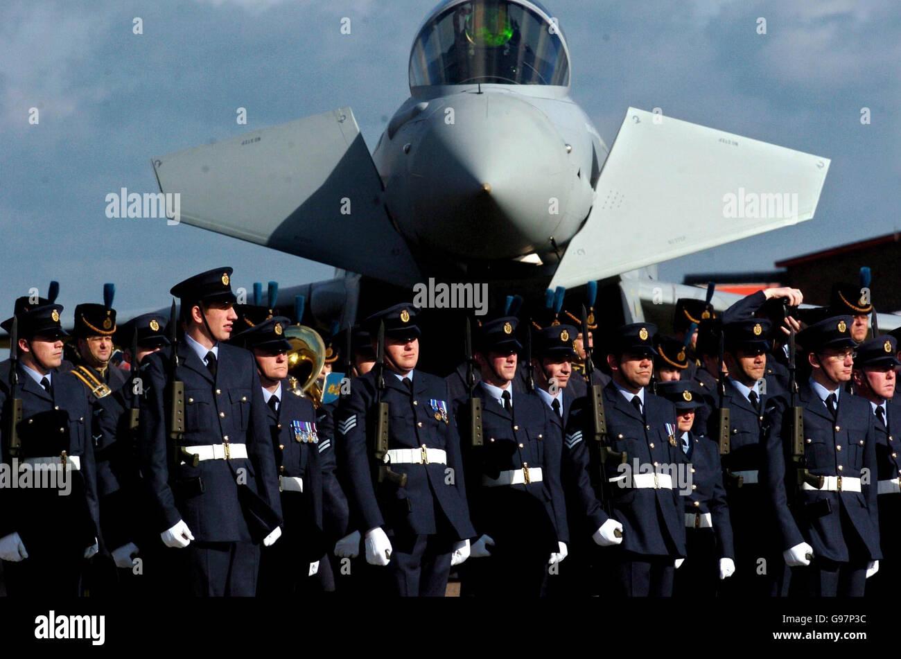 45 millones de aviones Typhoon Eurofighter se han puesto a tierra por un problema con su sistema de aire acondicionado. Ver la historia de PA DEFENSA Typhoon. ASOCIACIÓN DE PRENSA Foto. El crédito de la foto debe decir: Chris Radburn/PA Foto de stock