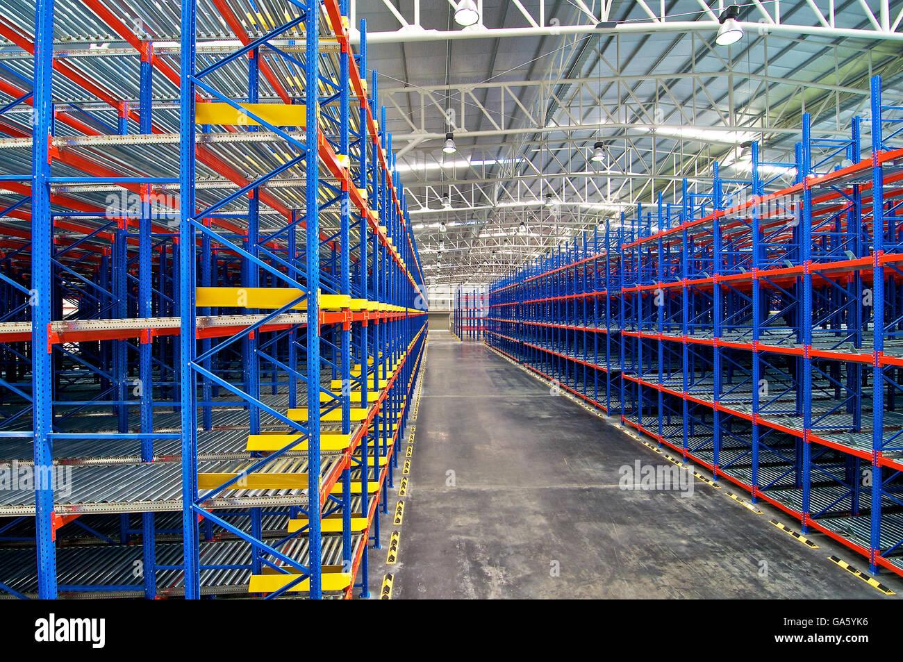 Almacenamiento En Estanterias Metalicas.Almacenamiento Estanterias Metalicas Sistemas De Paletizacion Foto