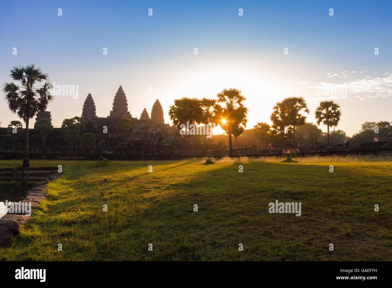 Amanecer en Angkor Wat en Siem Reap, Camboya, que es un patrimonio de la humanidad Imagen De Stock