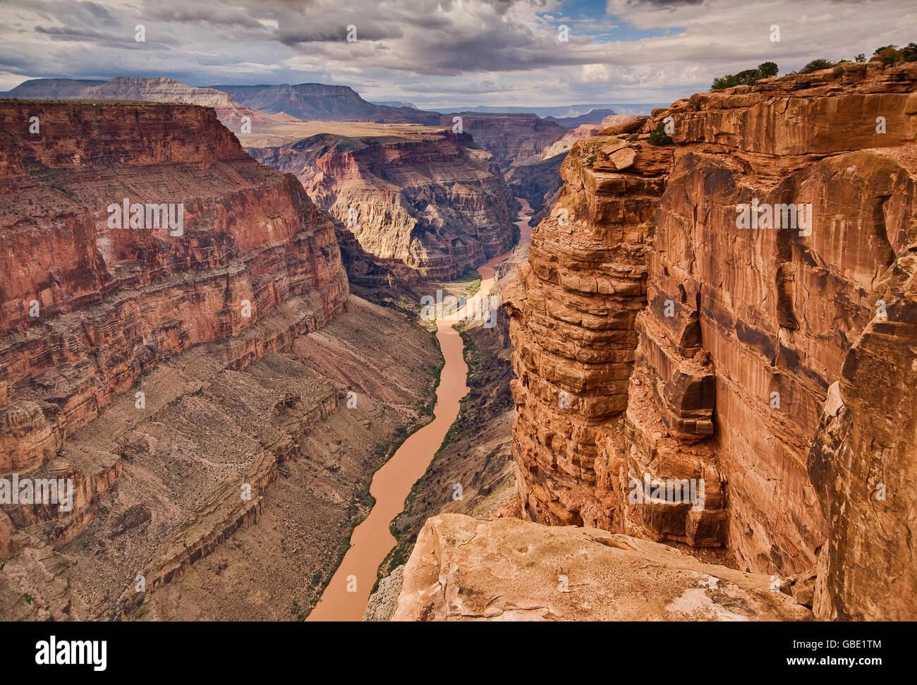 Grand Canyon Toroweap de punto en el extremo norte, a 1.000 metros sobre el Río Colorado, Arizona, EE.UU. Foto de stock