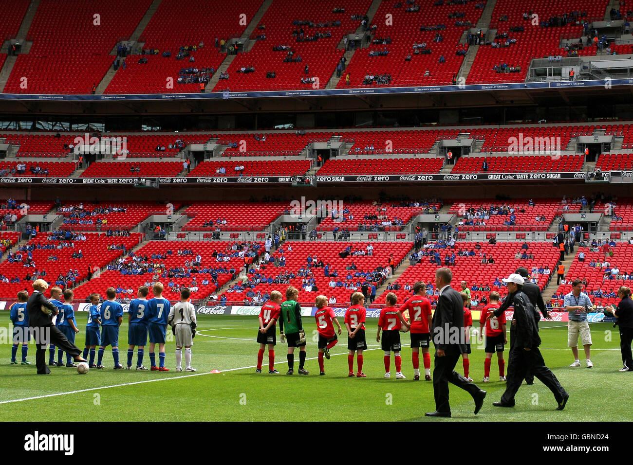 Fútbol - Liga de Fútbol Coca-Cola Dos - Play off - Final - Gillingham v Shrewsbury Town - Wembley Stadium Foto de stock