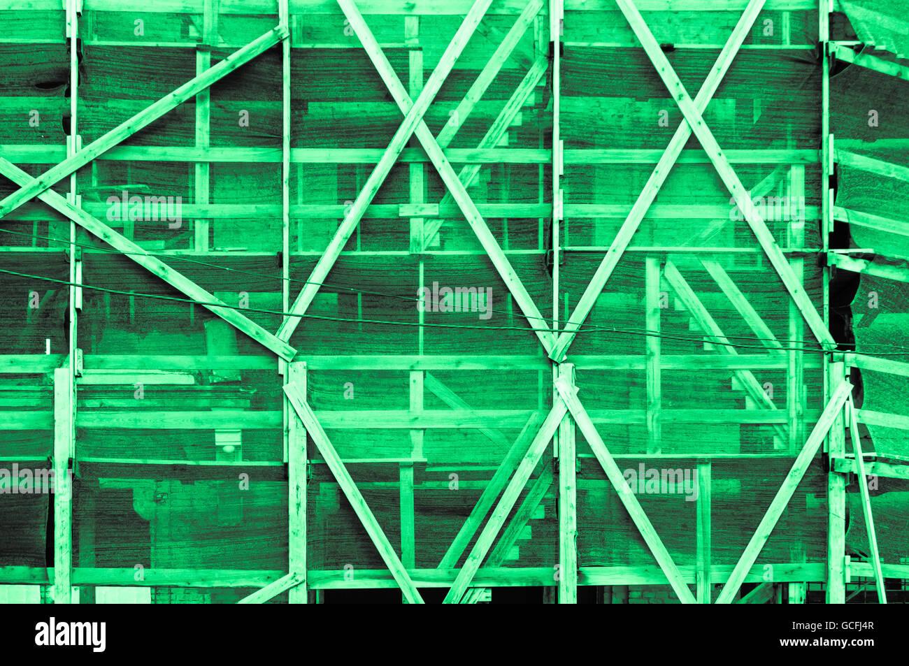 Impresionante menta verde grisáceo verdoso luz marco exterior de un edificio de estilo ucraniano Foto de stock