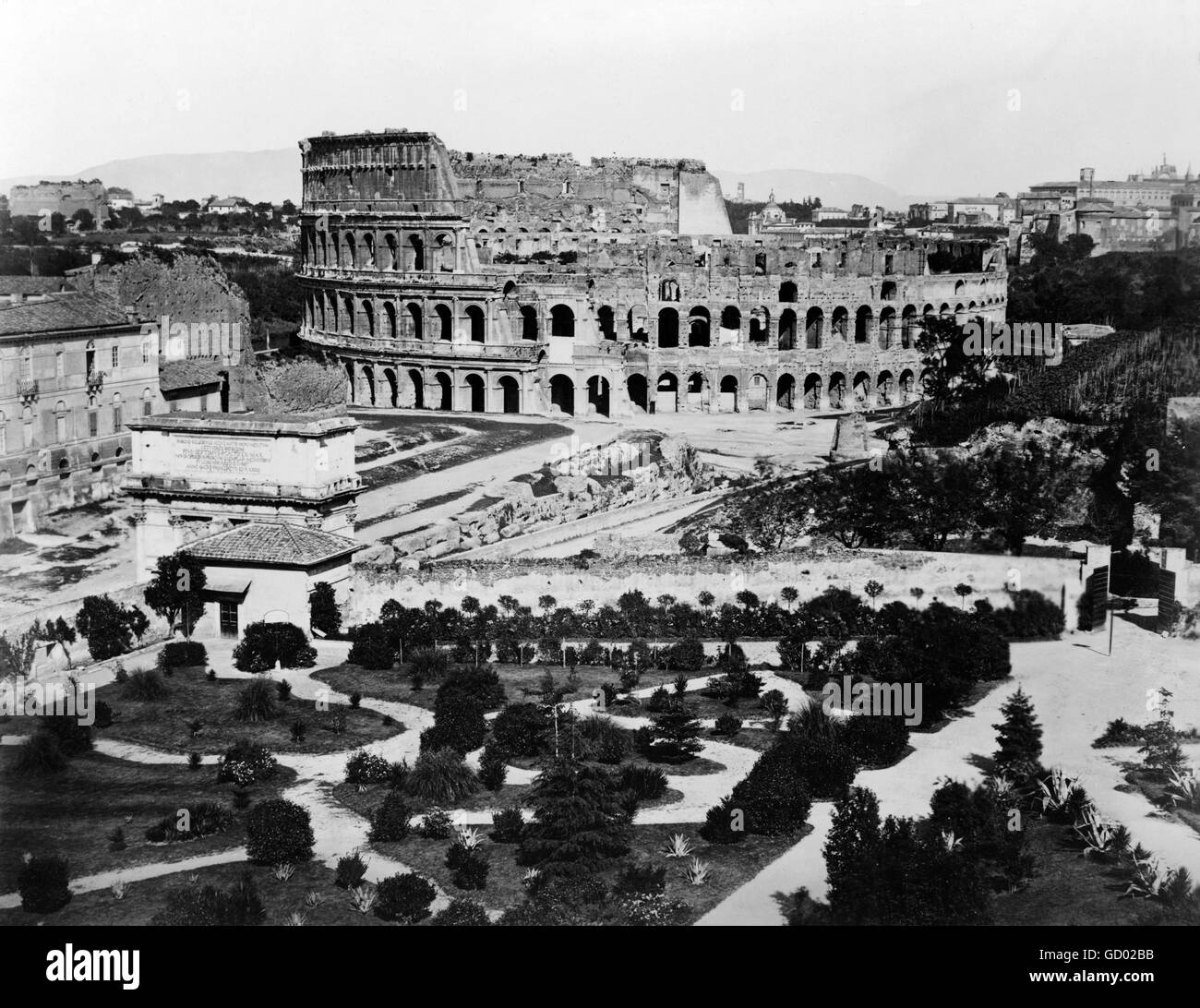 Coliseo de Roma. Siglo xix vista del Coliseo de Roma. Foto tomada entre 1860 y 1890 Imagen De Stock