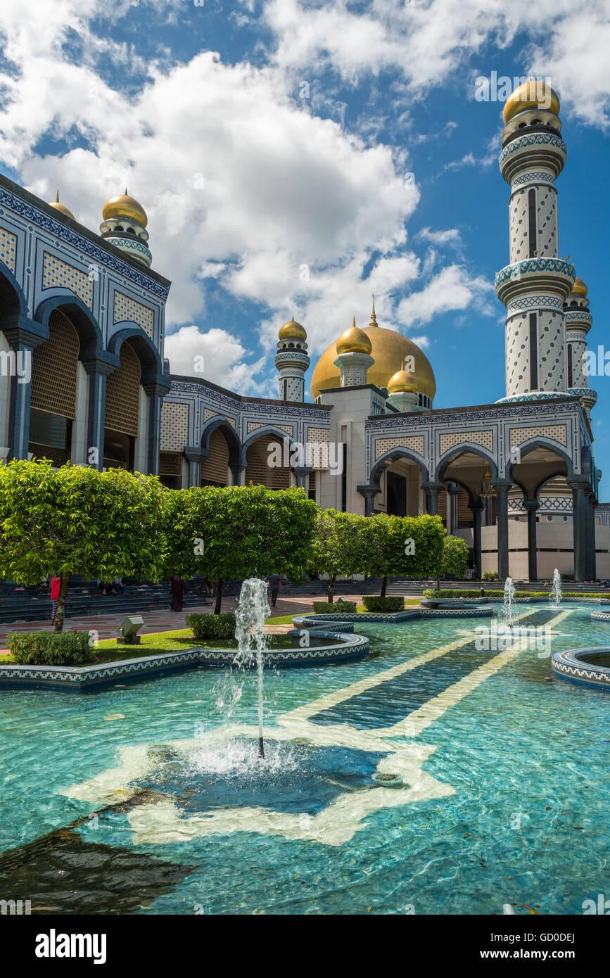 Jame'Asr Hassanil Bolkiah Mezquita en Bandar Seri Begawan, Brunei. Foto de stock