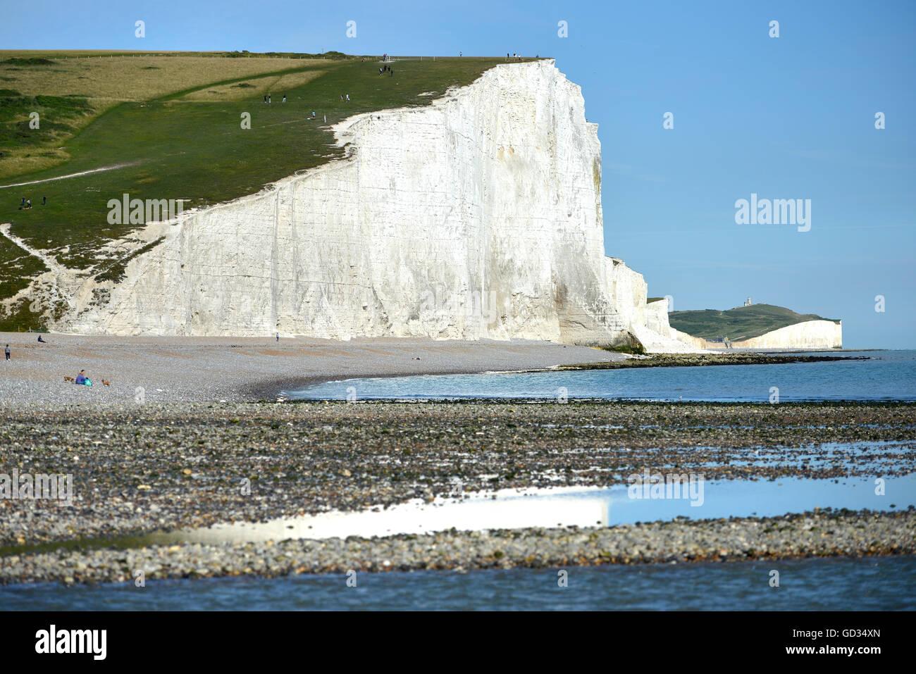 La icónica vista de la costa inglesa, Siete Hermanas rocas calcáreas, East Sussex Imagen De Stock