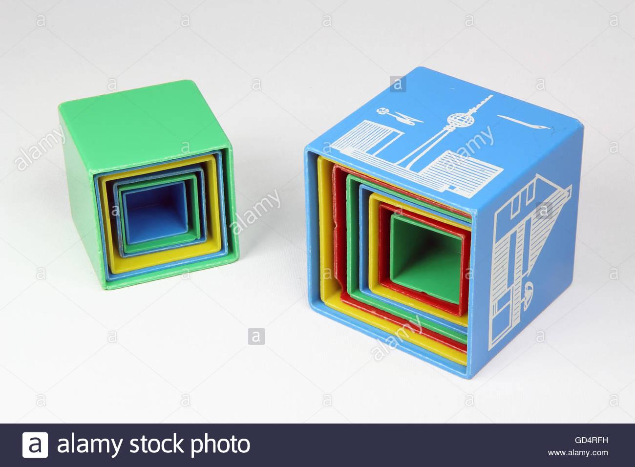 Juguetes para bebés cubos plugin con material sintético, diseño: probable diseño de fábrica, Imagen De Stock