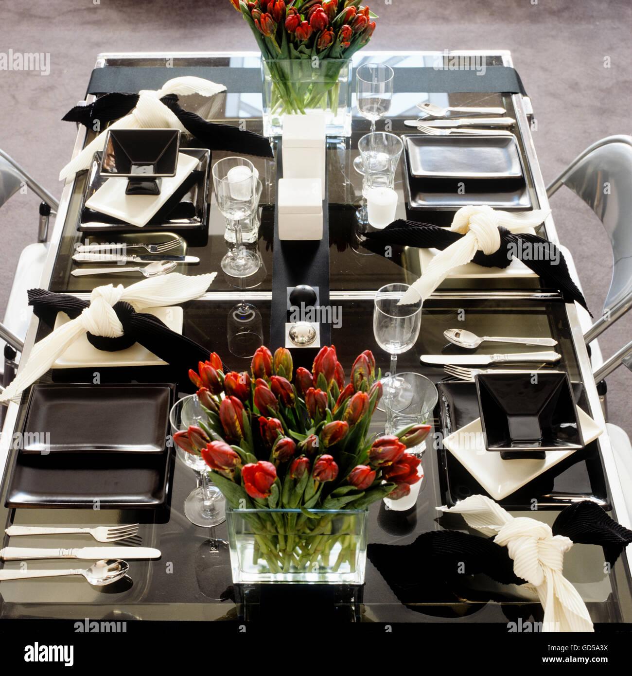 Moderno comedor en blanco y negro Imagen De Stock
