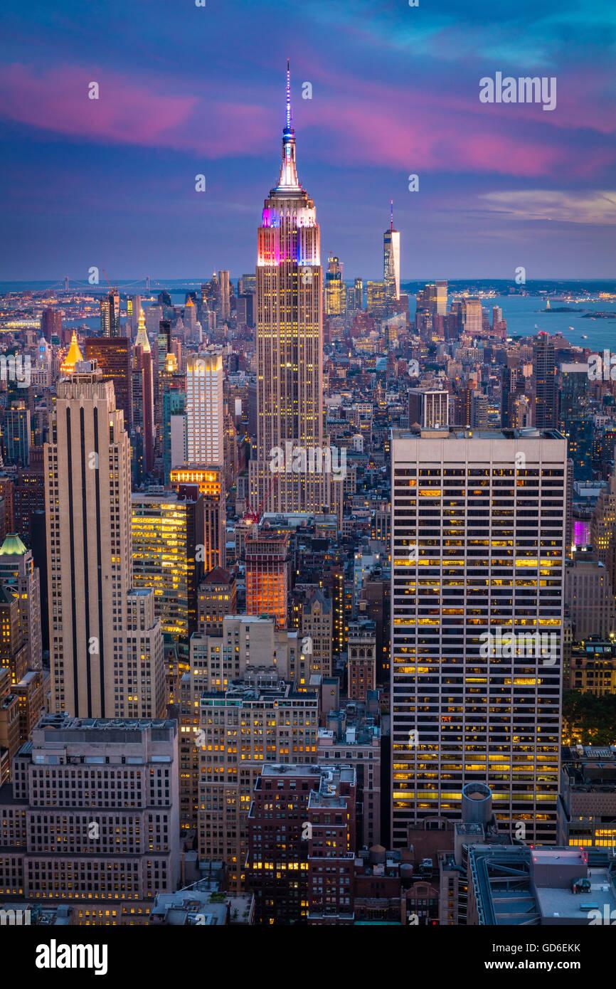 Manhattan al atardecer desde el Rockefeller Center en la Ciudad de Nueva York Midtown Imagen De Stock