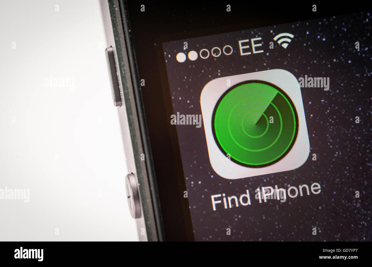 Encontrar iPhone App en un teléfono inteligente iPhone Imagen De Stock