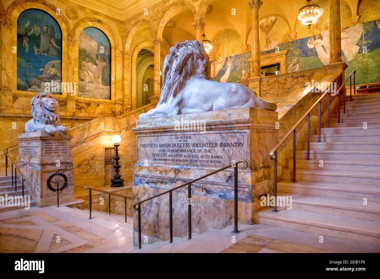 Escaleras en la Biblioteca Pública de Boston. Imagen De Stock